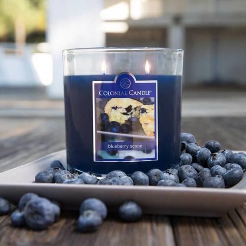 Colonial Candle średnia świeca zapachowa w owalnym szkle 8 oz 226 g - Blueberry Scone